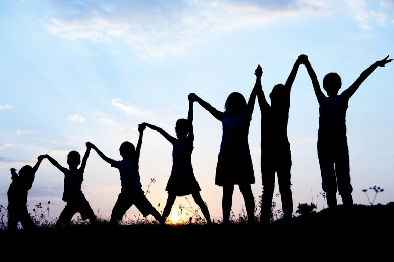 children_silhouettes_holding_hands_up_by_macinivnw-d68n02c