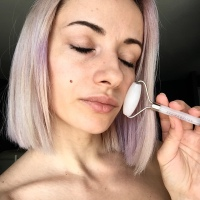 HOW I USE MY ROSE QUARTZ FACE ROLLER
